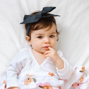 Linen bow navy on little girl