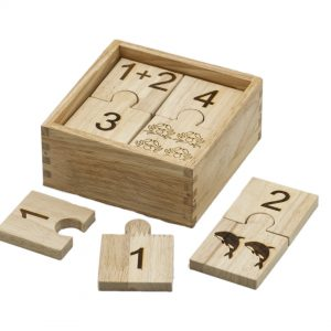 Number jigsaw in wooden storage box